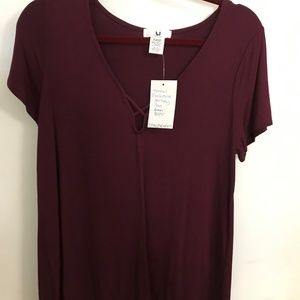 Burgundy hi lo jersey tee with criss cross detail